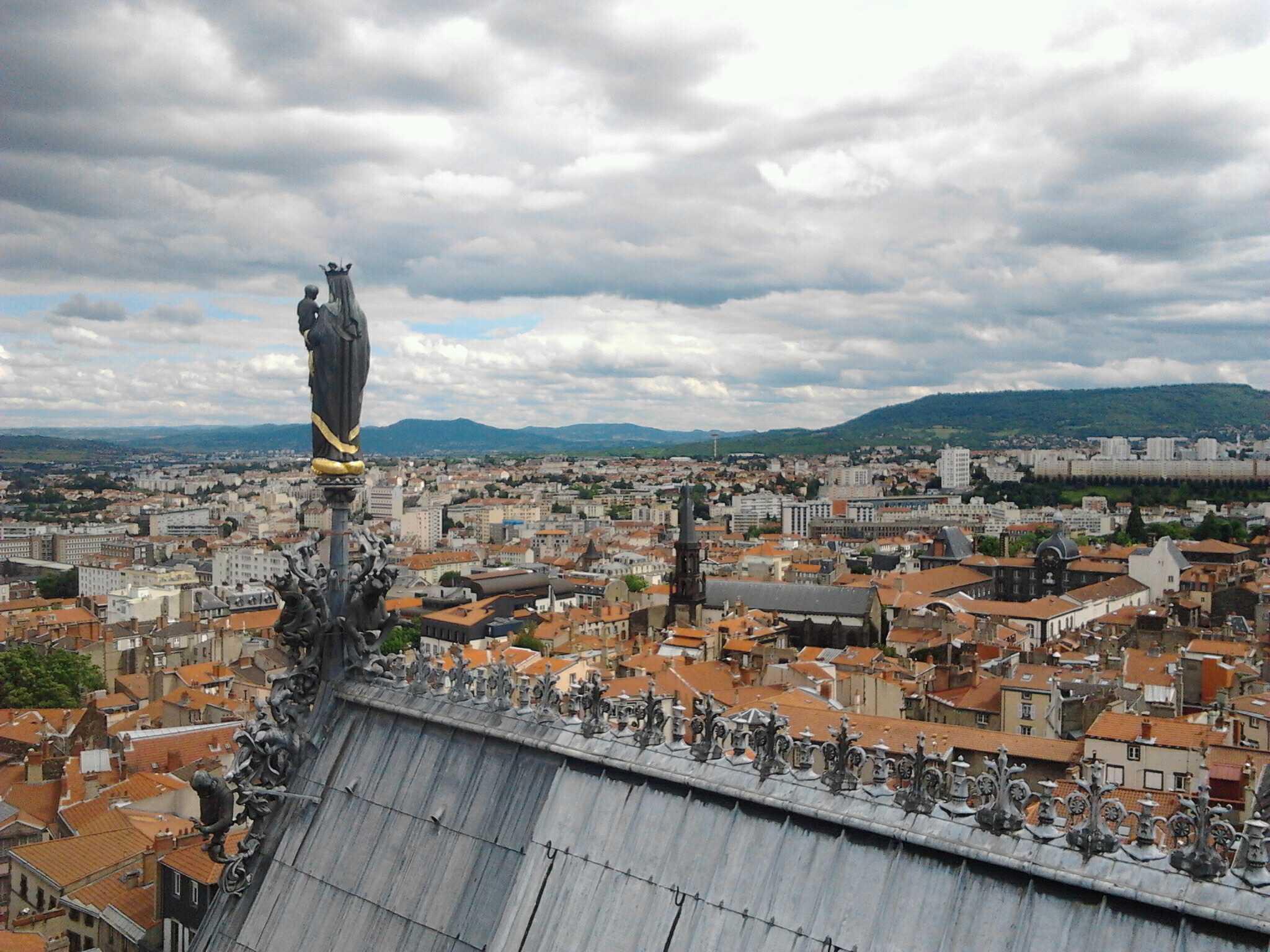 sommet cathédrale de clermont-ferrand