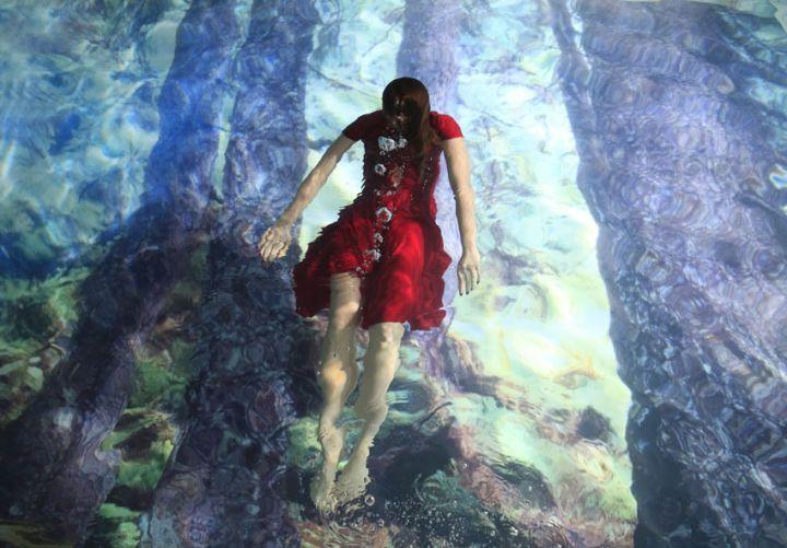 Susanna-Majuri-red-dress
