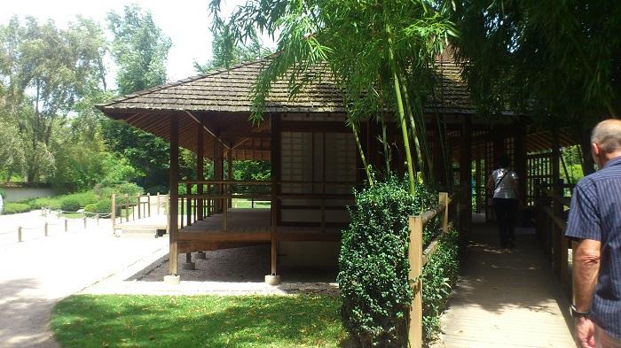 pavillon jardin japonais