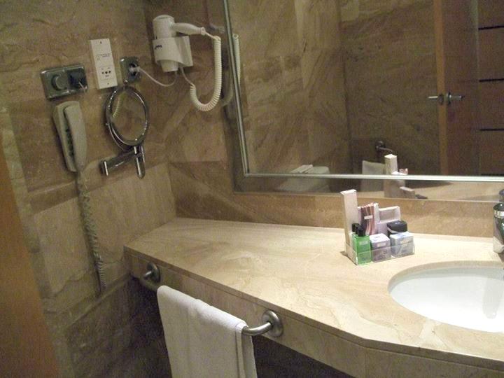 salle de bain chambre h10