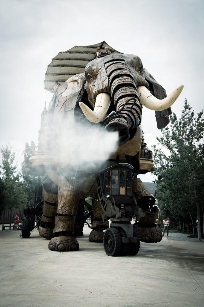 grand éléphant de nantes