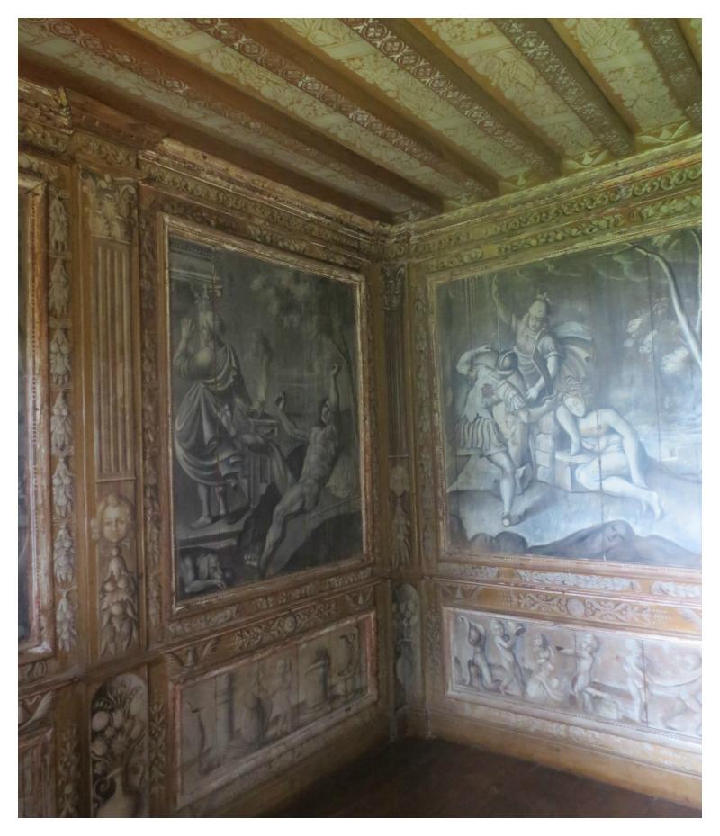 cabinet curiosités chateau puymartin