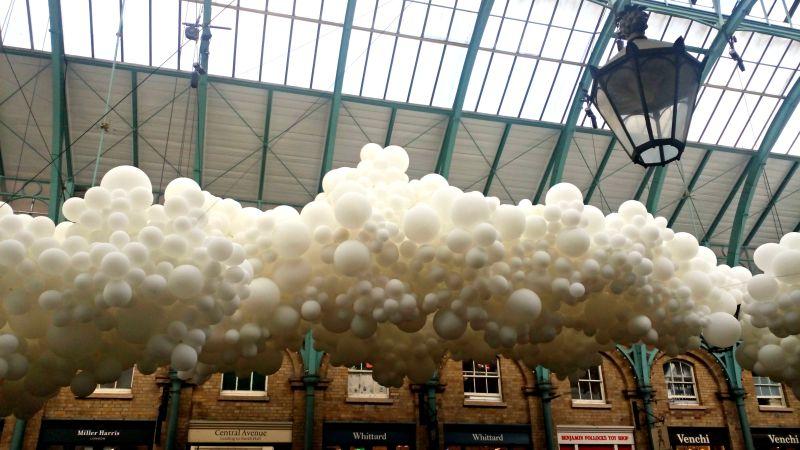 nuage de ballons à covent garden
