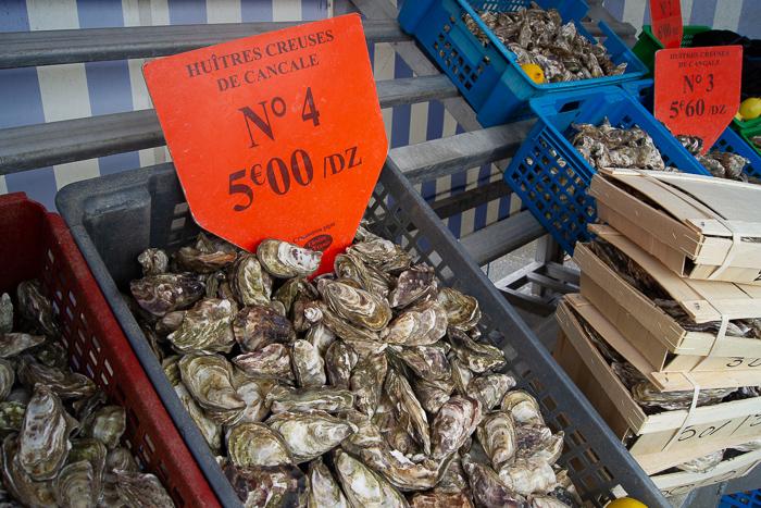 Le marché aux huitres de Cancale